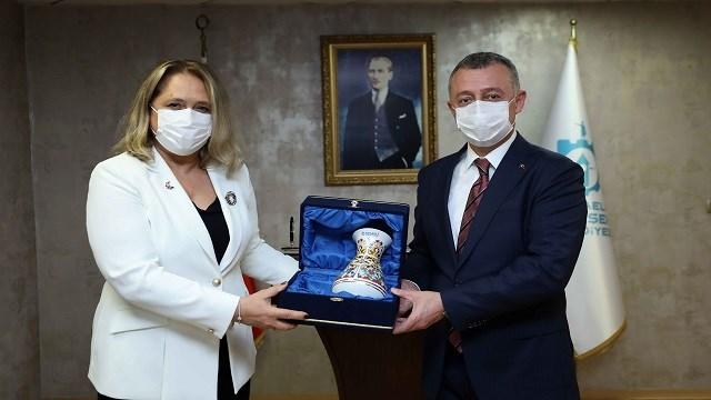 Kosova Başkonsolosu Suzan Novoberdaliu, Kovid-19 desteği için Türkiye'ye minnettar