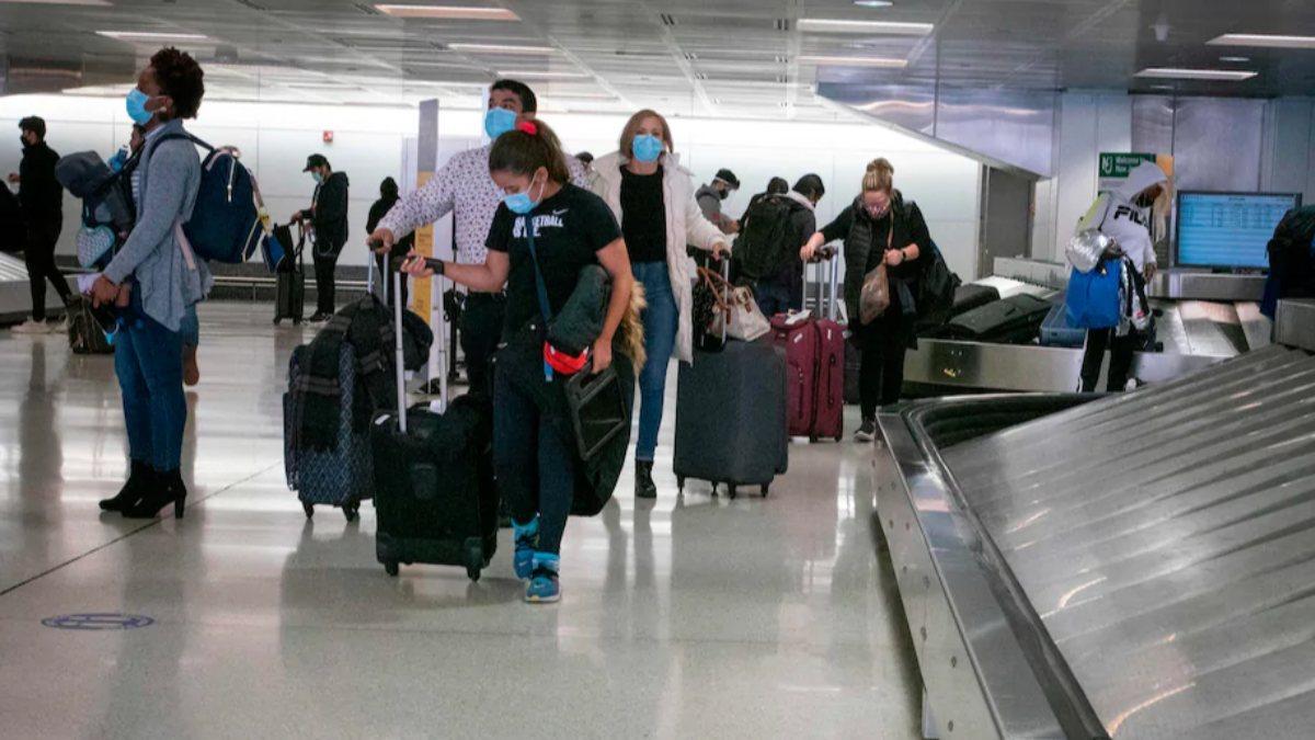 ABD'de Şükran Günü için 2 milyondan fazla kişi havalimanlarına akın etti