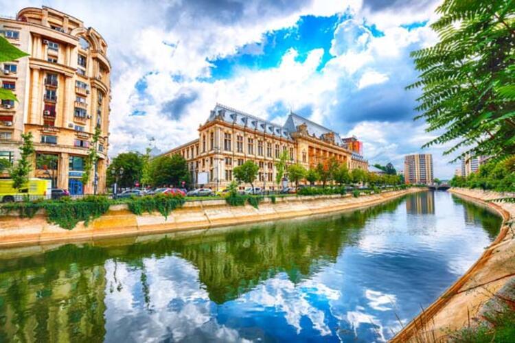 Balkanların Paris'i Bükreş