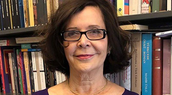 Erdal Öz Edebiyat Ödülü'nün yeni sahibi Jale Parla