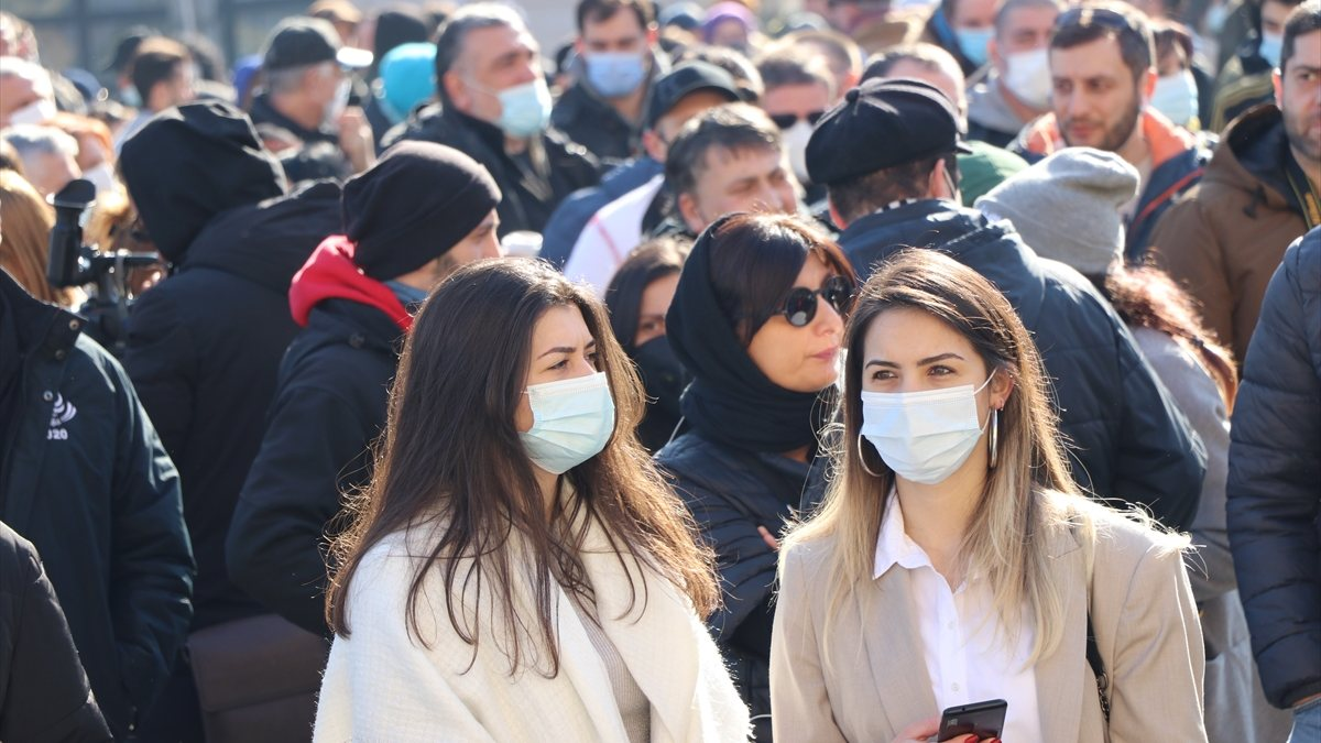 Gürcistan'da koronavirüs tedbirleri protestosu