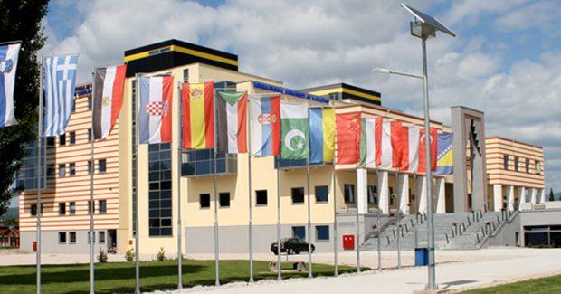 """Uluslararası Saraybosna ÜniversitesiBosnaHersek'in """"en iyi özel üniversitesi"""" seçildi"""