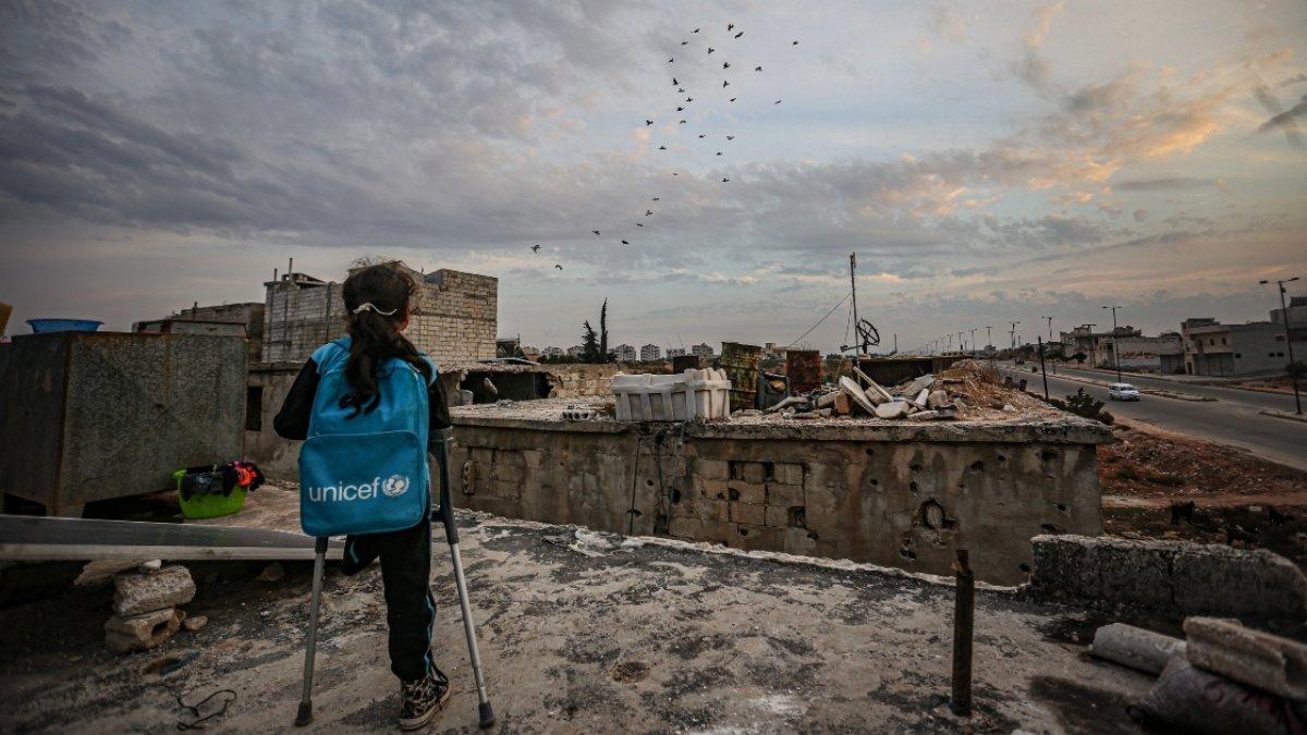 Savaşta tek bacağını kaybeden Suriyeli Fatma, azmiyle duygulandırıyor