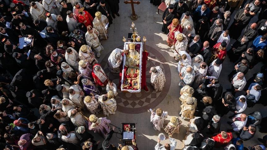 Sırp Ortodoks Kilisesi, salgın tedbirlerine uymamanın bedelini ağır ödedi