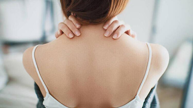 Sırtınız ağrıyorsa dikkat! Kanser belirtisi olabilir