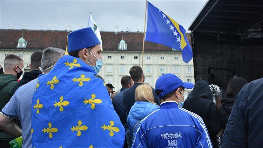 """Srebrenitsa'daki seçime """"usulsüzlük iddiaları"""" damga vurdu"""