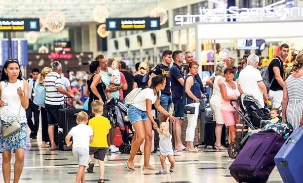 """Türkiye turizmde tatilcilere """"güven"""" aşıladı"""